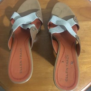 Super stylish and comfortable casual sandals.